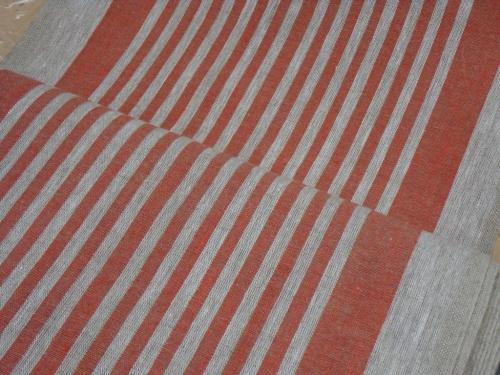 Linane kangas 10C492 / OBR1732 1/23 (punane); Laius: 50 cm; Kaal: 310 gr/m²; Koostis: 100% linane;