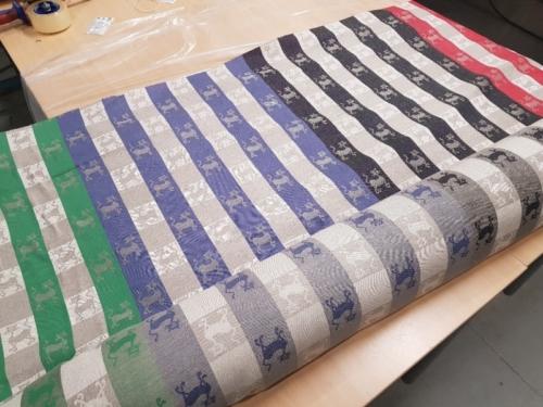 Полульняная ткань 18C7 211-1; Ширина: 211 см; Вес: 215 г/м²; Состав: 54% лен, 46% хлопок;