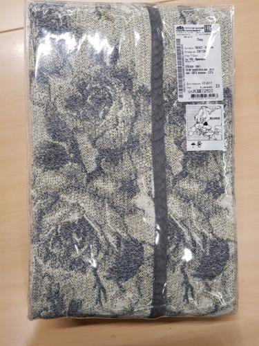 16C427 – 230x230 – color 2, design 100 – 32% linen, 68% cotton